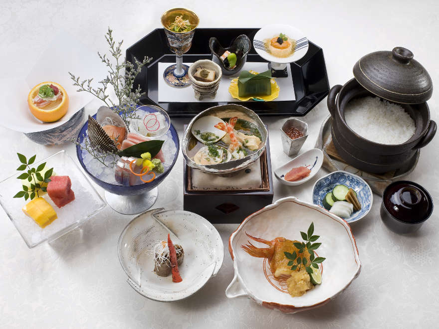 Straight up Kaiseki cuisine with a man and a Nadaman